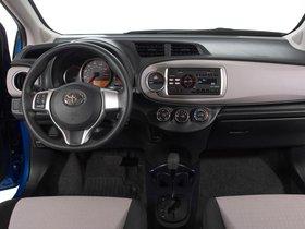 Ver foto 11 de Toyota Yaris 3 puertas LE USA 2011