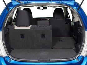 Ver foto 8 de Toyota Yaris 3 puertas LE USA 2011