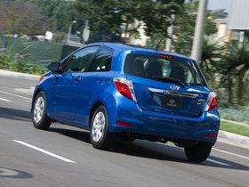 Ver foto 4 de Toyota Yaris 3 puertas LE USA 2011