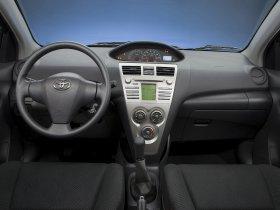 Ver foto 15 de Toyota Yaris Sedan 2008