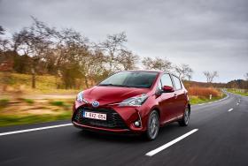Ver foto 35 de Toyota Yaris Hybrid 2017