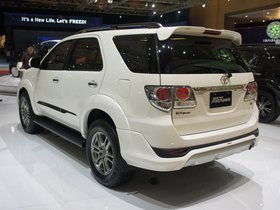 Ver foto 2 de Toyota TRD Fortuner Sportivo 2011