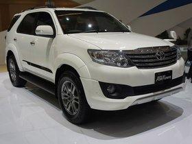 Fotos de Toyota TRD Fortuner Sportivo 2011