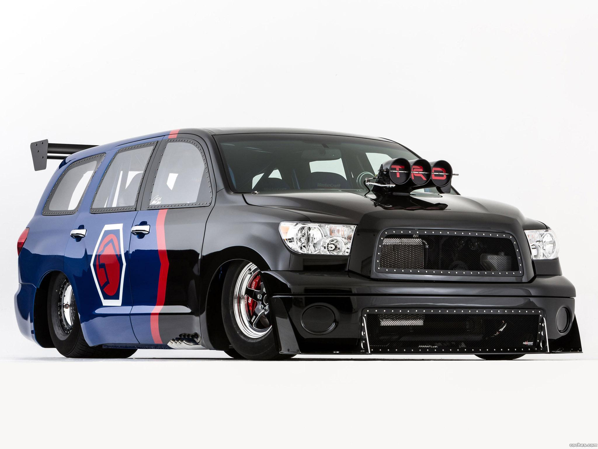 Foto 0 de Toyota TRD Sequoia Family Dragster by Antron Brown Team 2012
