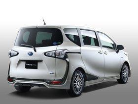 Ver foto 2 de Toyota Sienta Sportivo TRD 2015