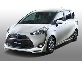 Ver foto 1 de Toyota Sienta Sportivo TRD 2015