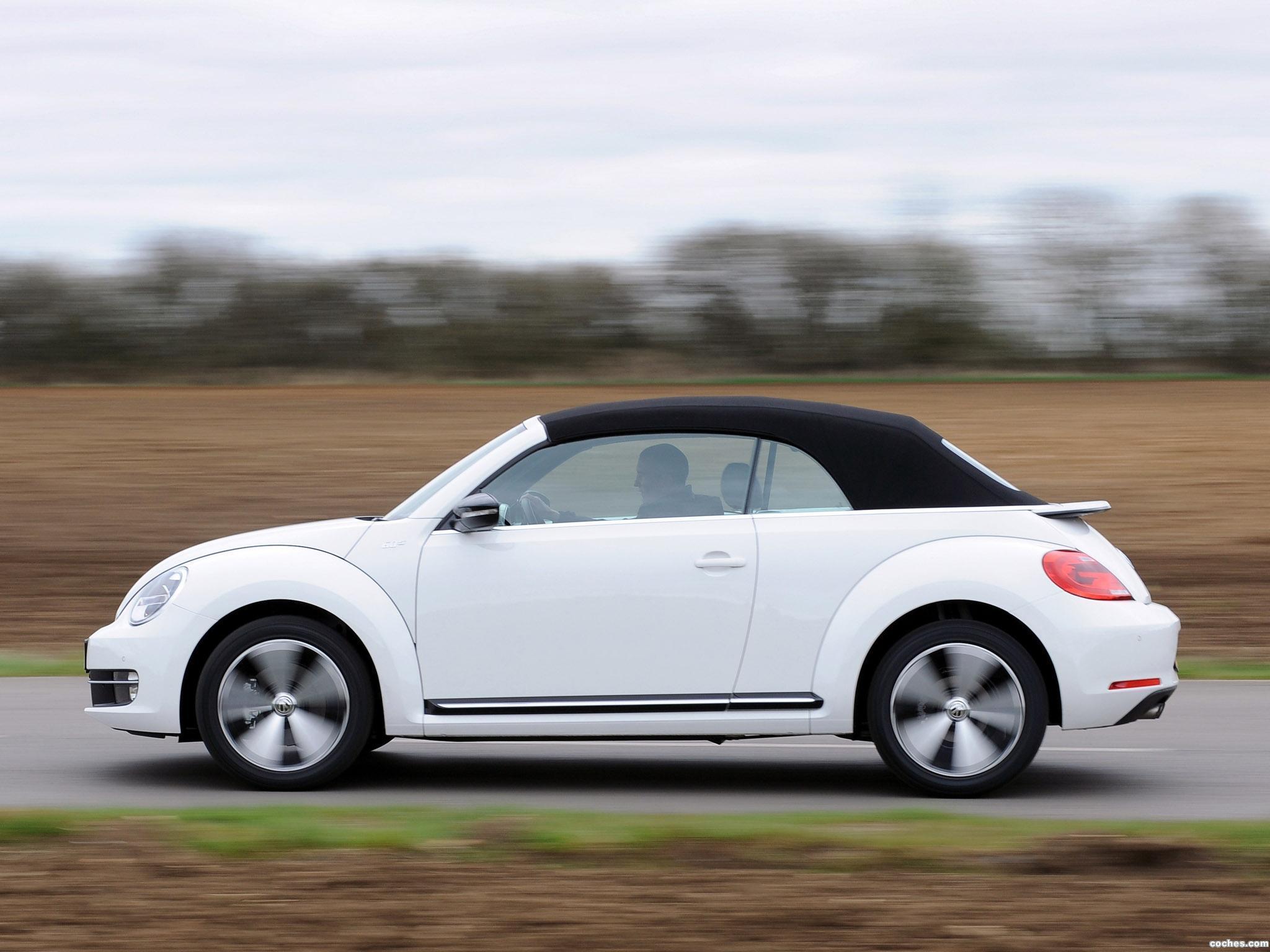 Foto 1 de Volkswagen Beetle Cabrio 60s Edition UK 2013