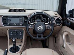 Ver foto 9 de Volkswagen Beetle Cabrio 70s Edition UK 2013