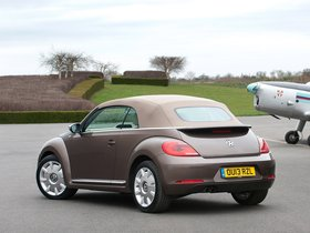 Ver foto 7 de Volkswagen Beetle Cabrio 70s Edition UK 2013