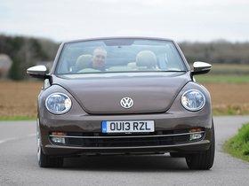 Ver foto 3 de Volkswagen Beetle Cabrio 70s Edition UK 2013