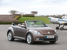 Fotos de Volkswagen Beetle Cabrio 70s Edition UK 2013