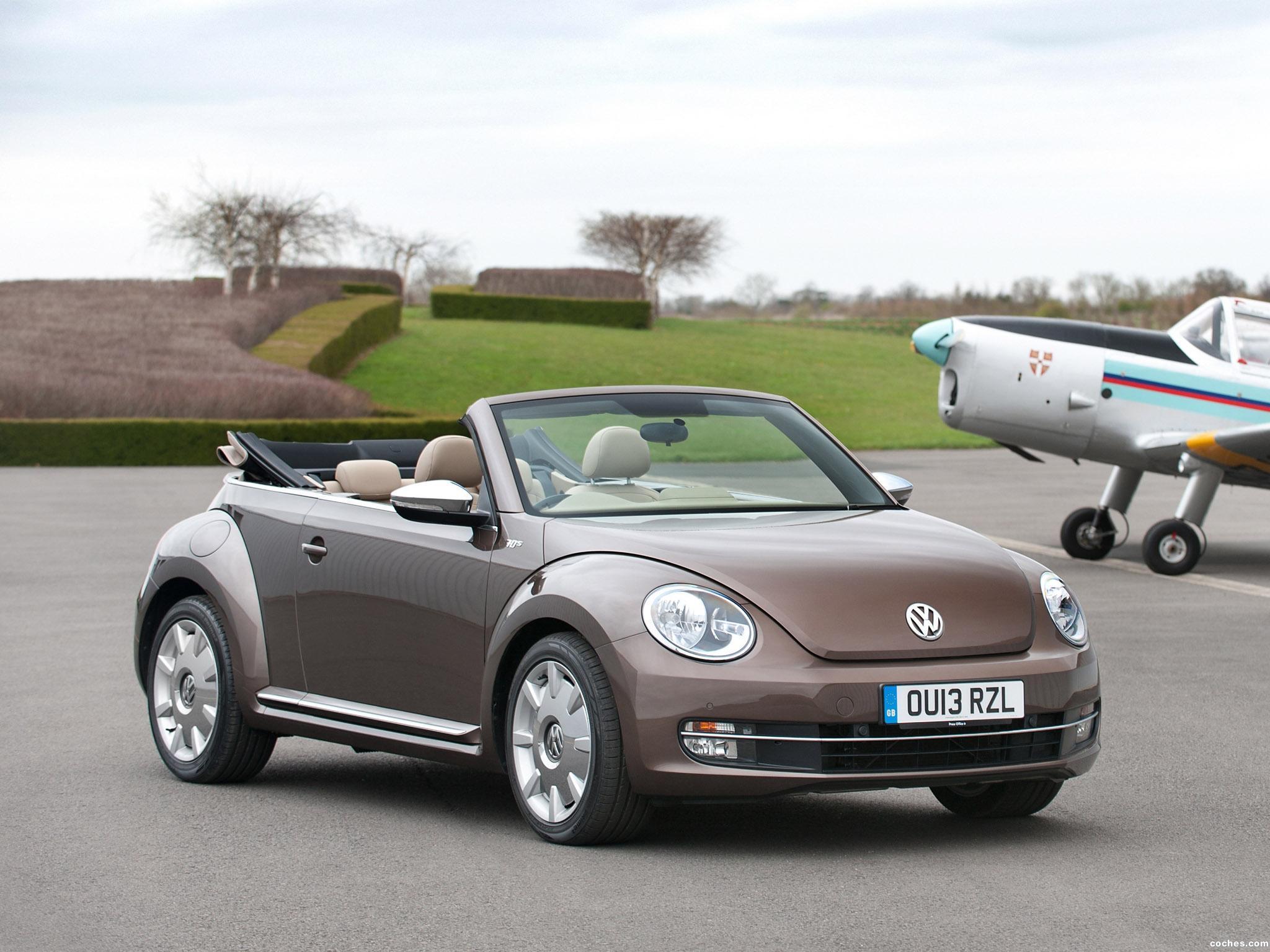 Foto 0 de Volkswagen Beetle Cabrio 70s Edition UK 2013