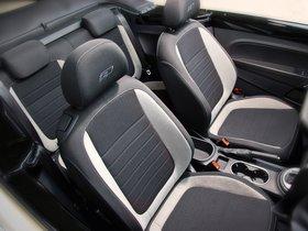 Ver foto 4 de Volkswagen  Beetle Cabrio R-Line 2012