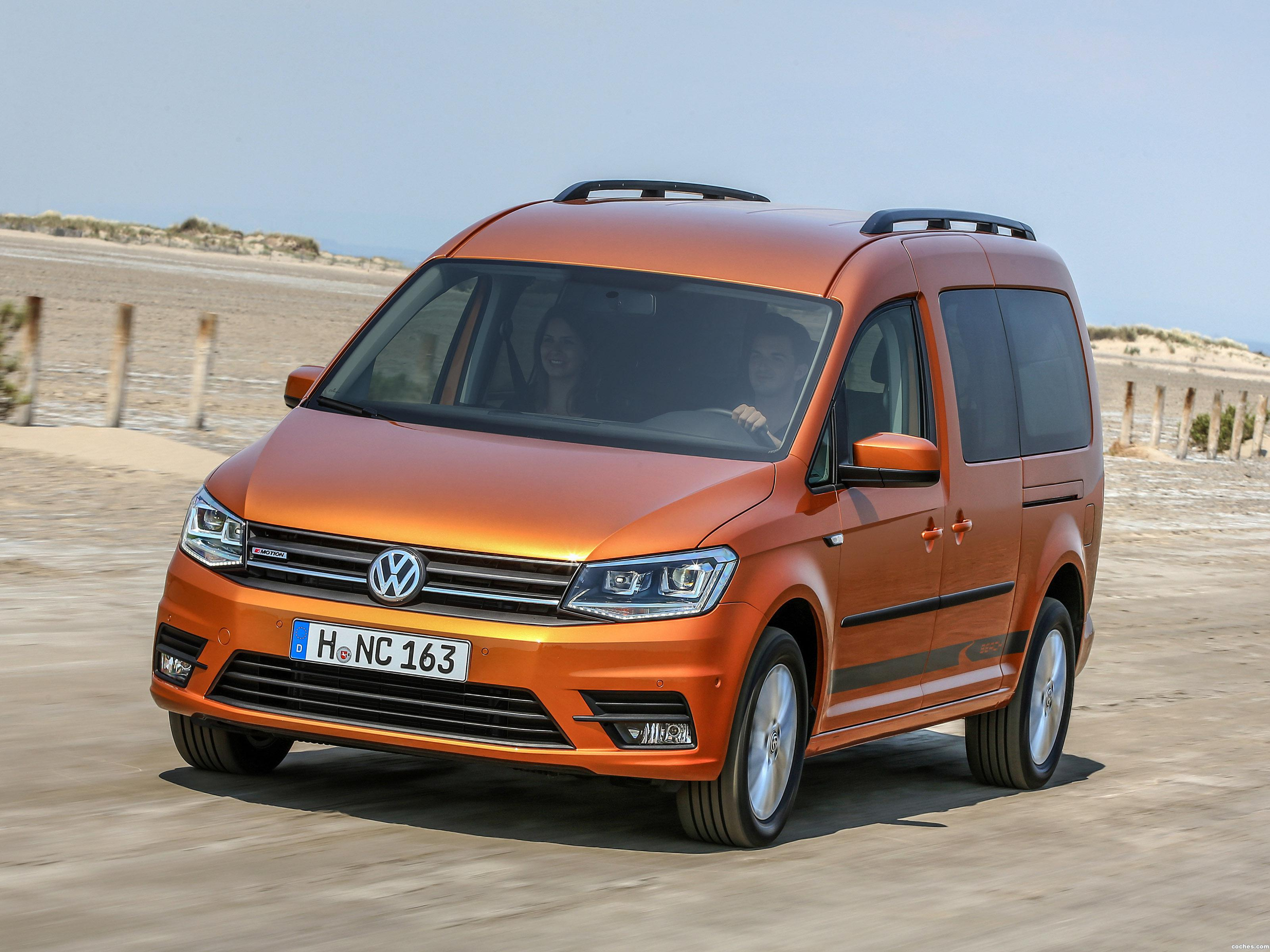 Foto 0 de Volkswagen Caddy Maxi Beach 4MOTION 2015