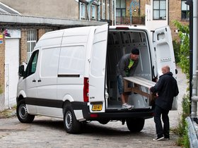 Ver foto 11 de Volkswagen Crafter High Roof Van UK 2011