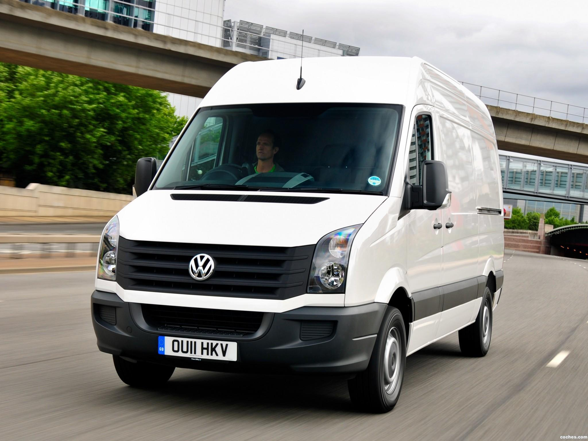 Foto 0 de Volkswagen Crafter High Roof Van UK 2011