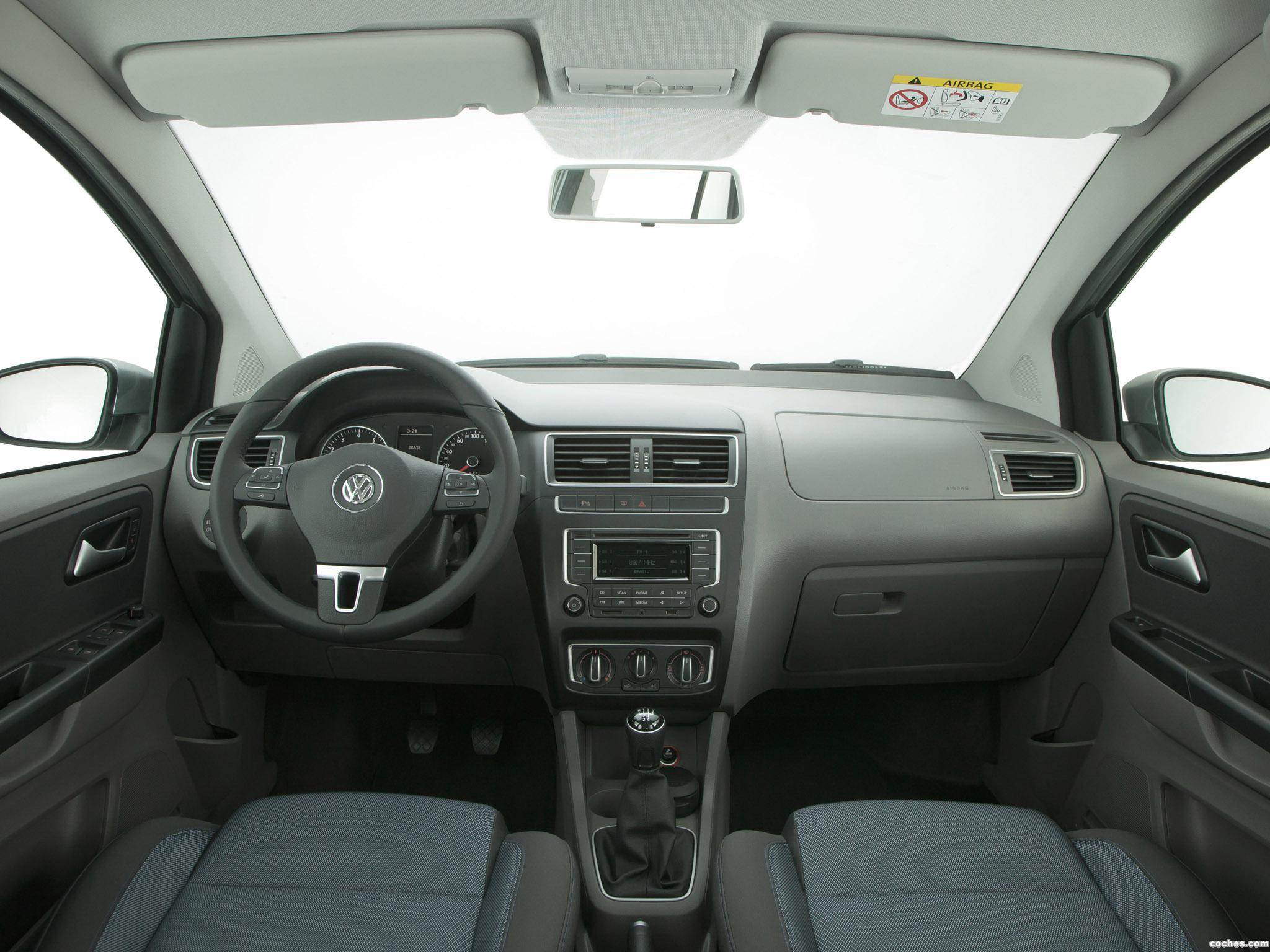 Foto 2 de Volkswagen Fox BlueMotion 2014