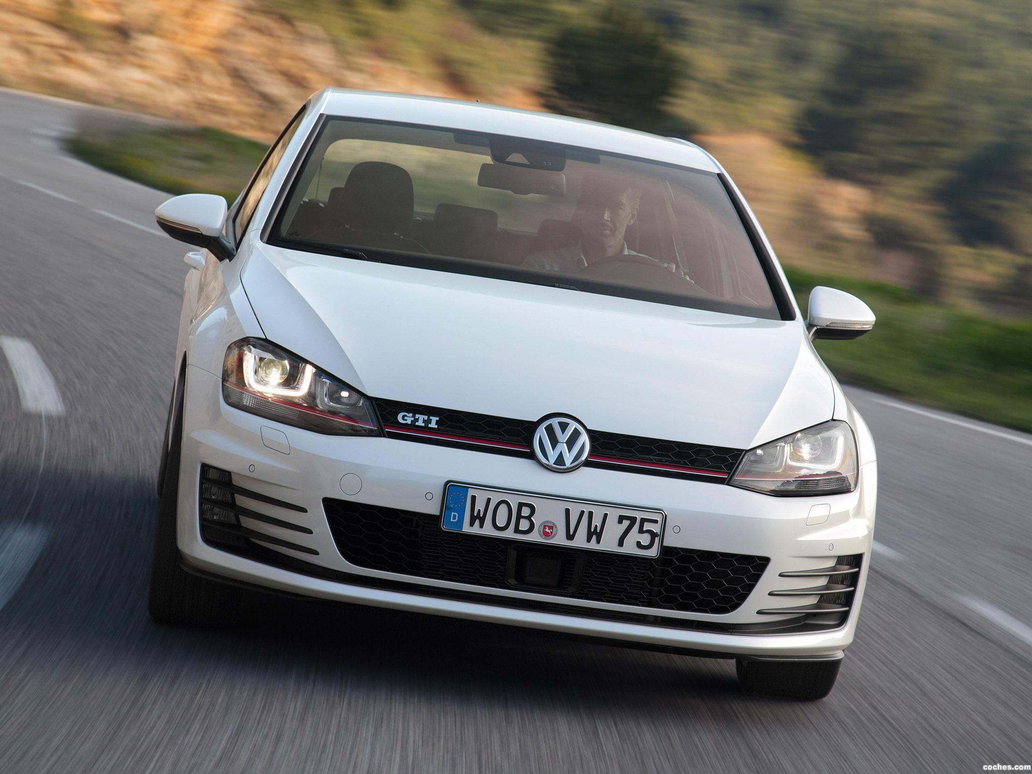 Foto 1 de Volkswagen Golf 7 GTI 5 puertas 2013