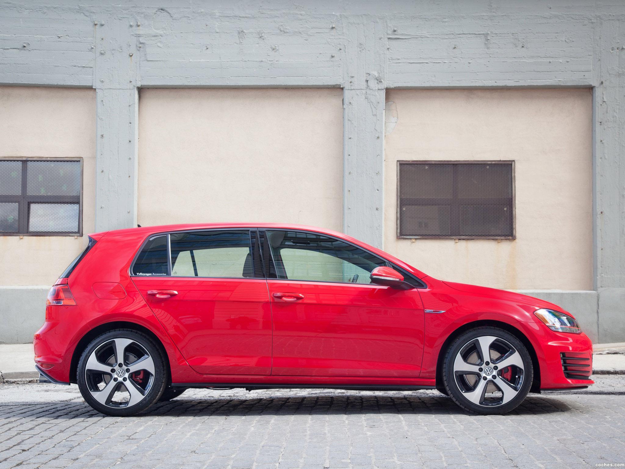 Foto 2 de Volkswagen Golf GTI 5 Puertas USA 2014