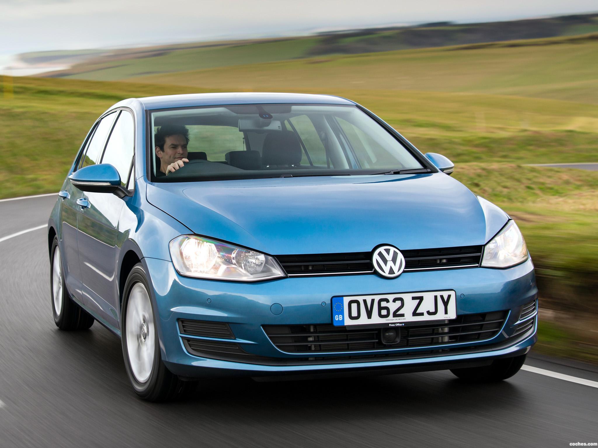 Foto 0 de Volkswagen Golf 7 5 puertas TDI Bluemotion UK 2013
