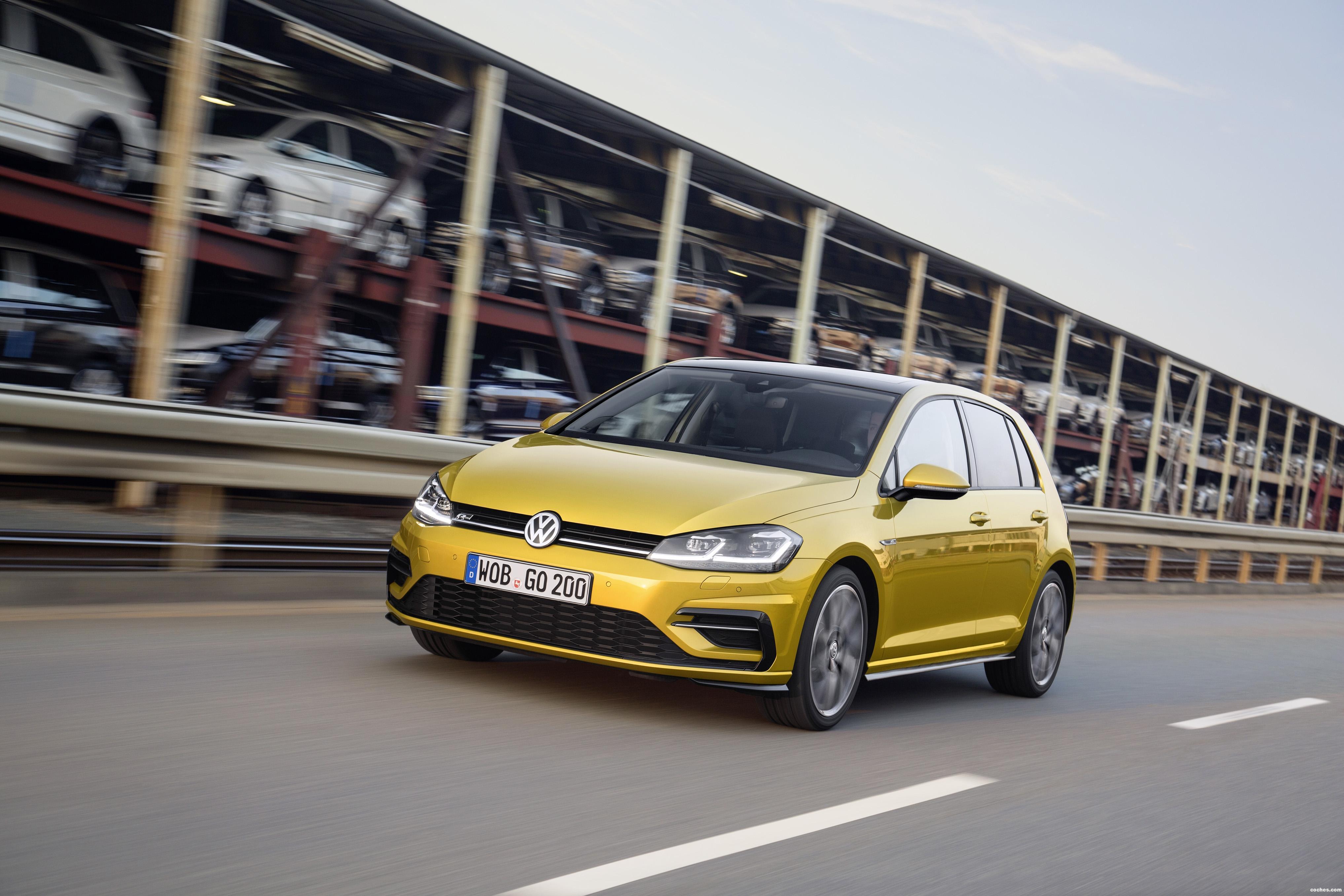 Foto 1 de Volkswagen Golf R-Line 2017