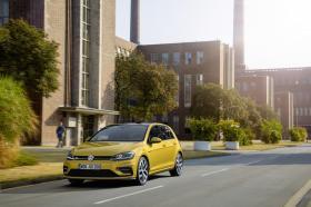 Ver foto 6 de Volkswagen Golf R-Line 2017