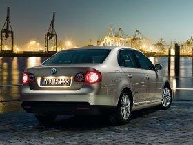 Ver foto 2 de Volkswagen Jetta Freestyle 2010