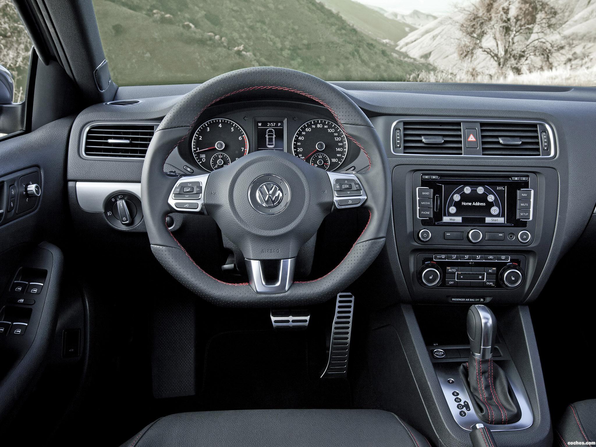 Foto 2 de Volkswagen Jetta GLI 2011