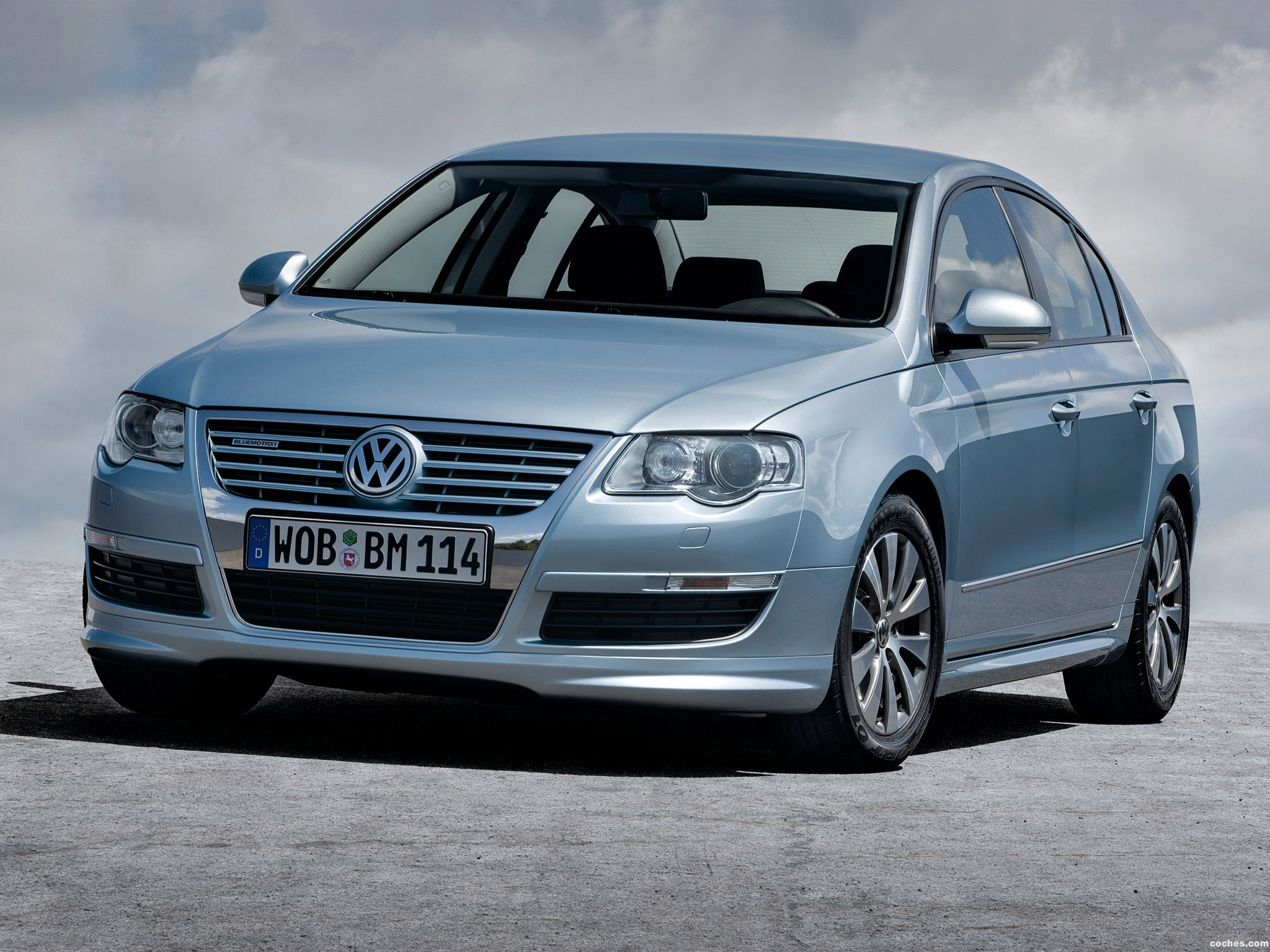 fotos de volkswagen passat bluemotion sedan b6 2009. Black Bedroom Furniture Sets. Home Design Ideas