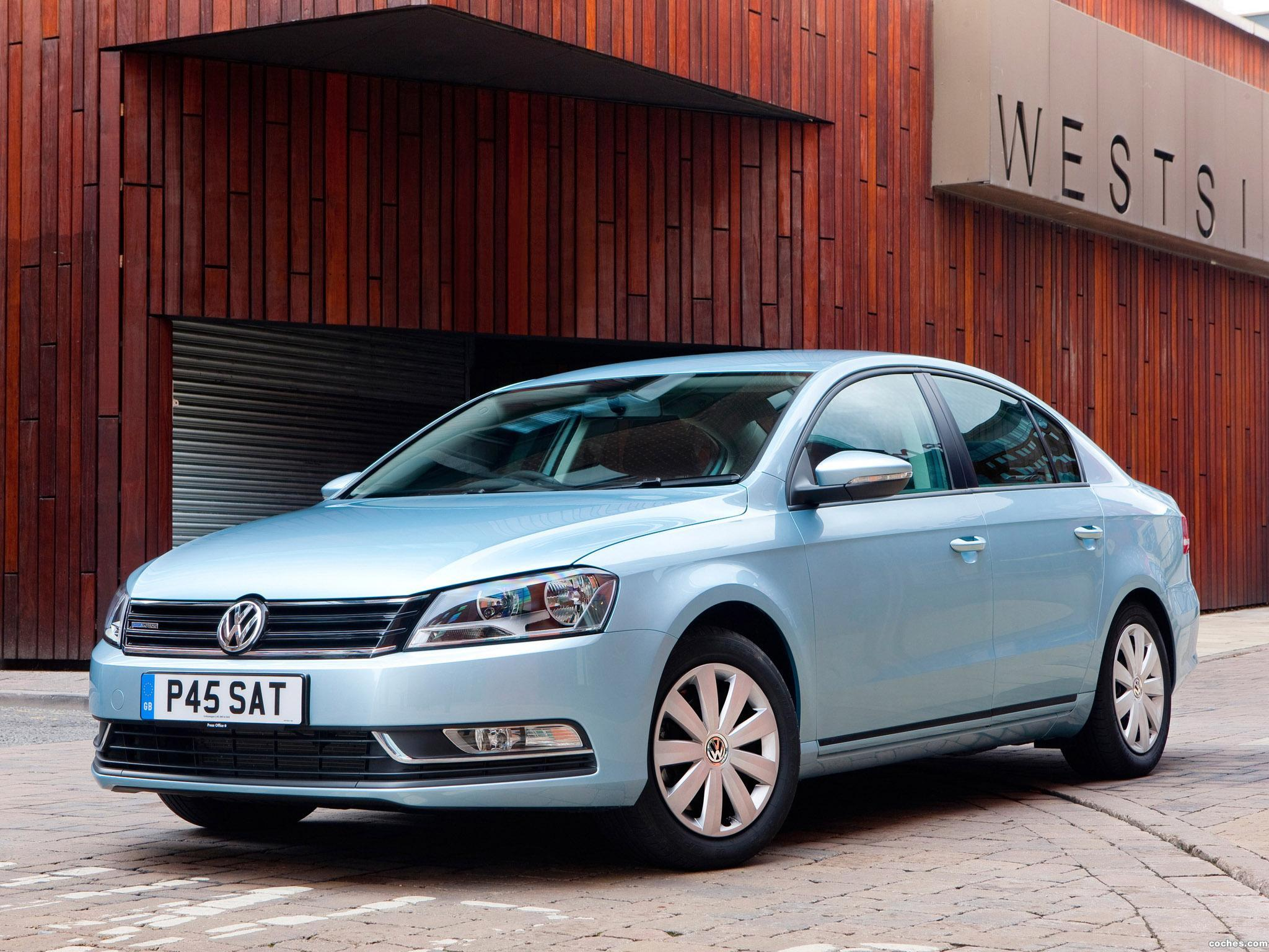 Foto 0 de Volkswagen Passat BlueMotion UK 2010