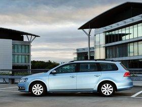 Ver foto 2 de Volkswagen Passat Variant BlueMotion UK 2010