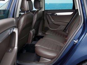 Ver foto 18 de Volkswagen Passat Estate 2010