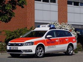 Fotos de Notarzt Volkswagen Passat Variant 2011