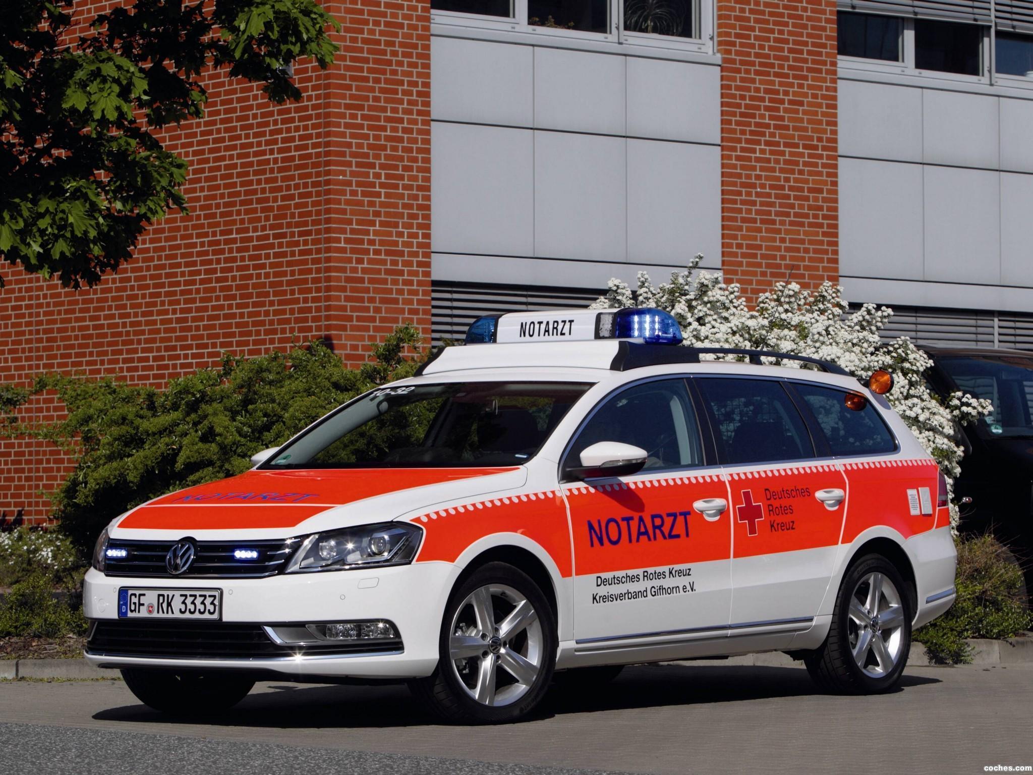 Foto 0 de Notarzt Volkswagen Passat Variant 2011