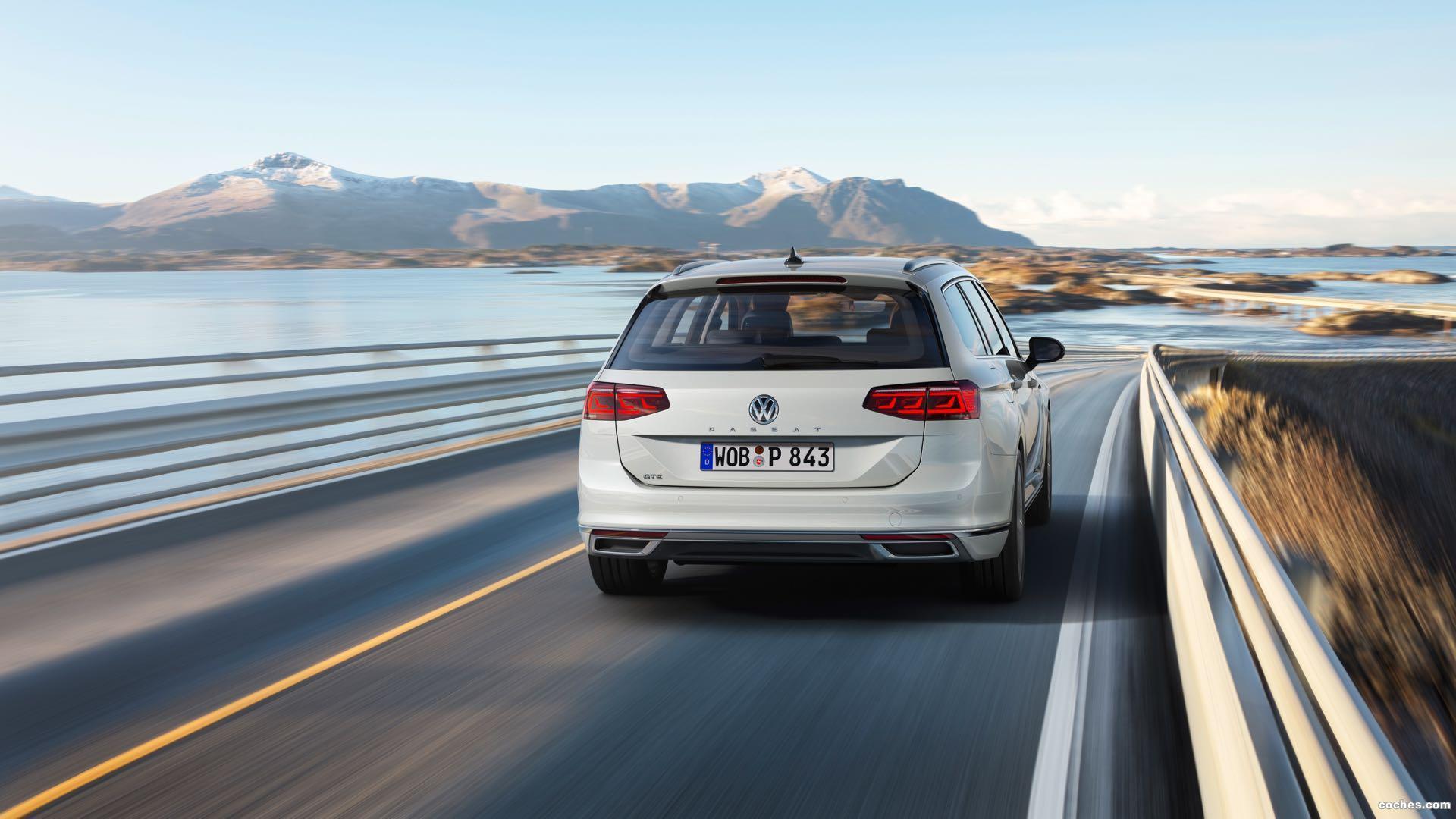 Foto 1 de Volkswagen Passat Variant GTE 2019