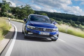 Ver foto 17 de Volkswagen Passat Variant R-Line 2019