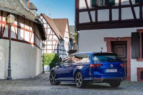 Ver foto 18 de Volkswagen Passat Variant R-Line 2019