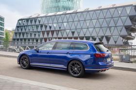 Ver foto 32 de Volkswagen Passat Variant R-Line 2019