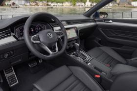 Ver foto 36 de Volkswagen Passat Variant R-Line 2019