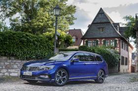 Ver foto 19 de Volkswagen Passat Variant R-Line 2019