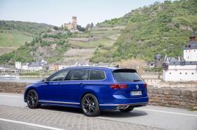 Ver foto 22 de Volkswagen Passat Variant R-Line 2019