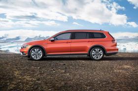 Ver foto 7 de Volkswagen Passat Alltrack 2015