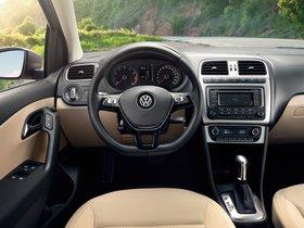 Ver foto 30 de Volkswagen Polo Sedan 2015