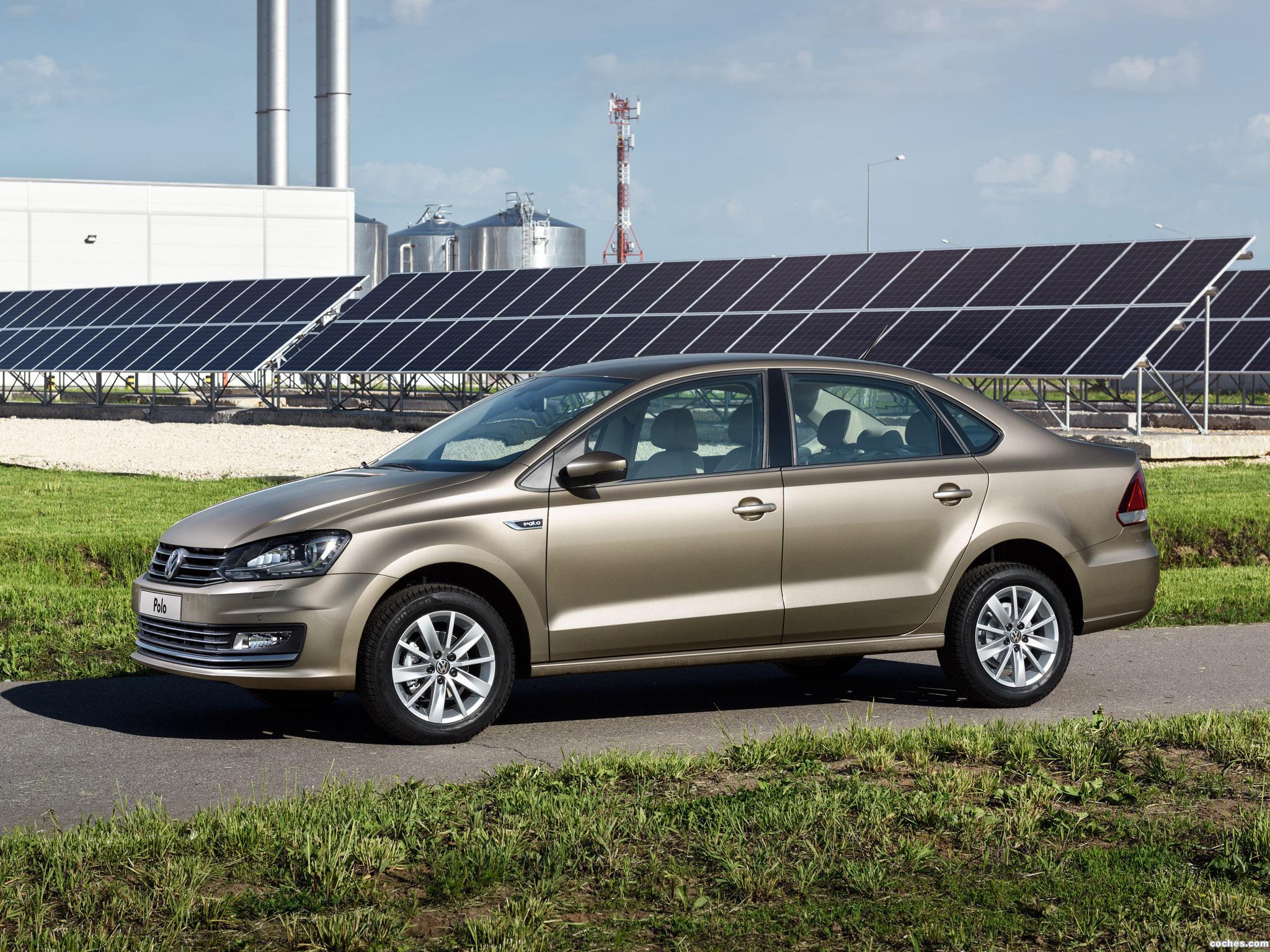 Foto 22 de Volkswagen Polo Sedan 2015