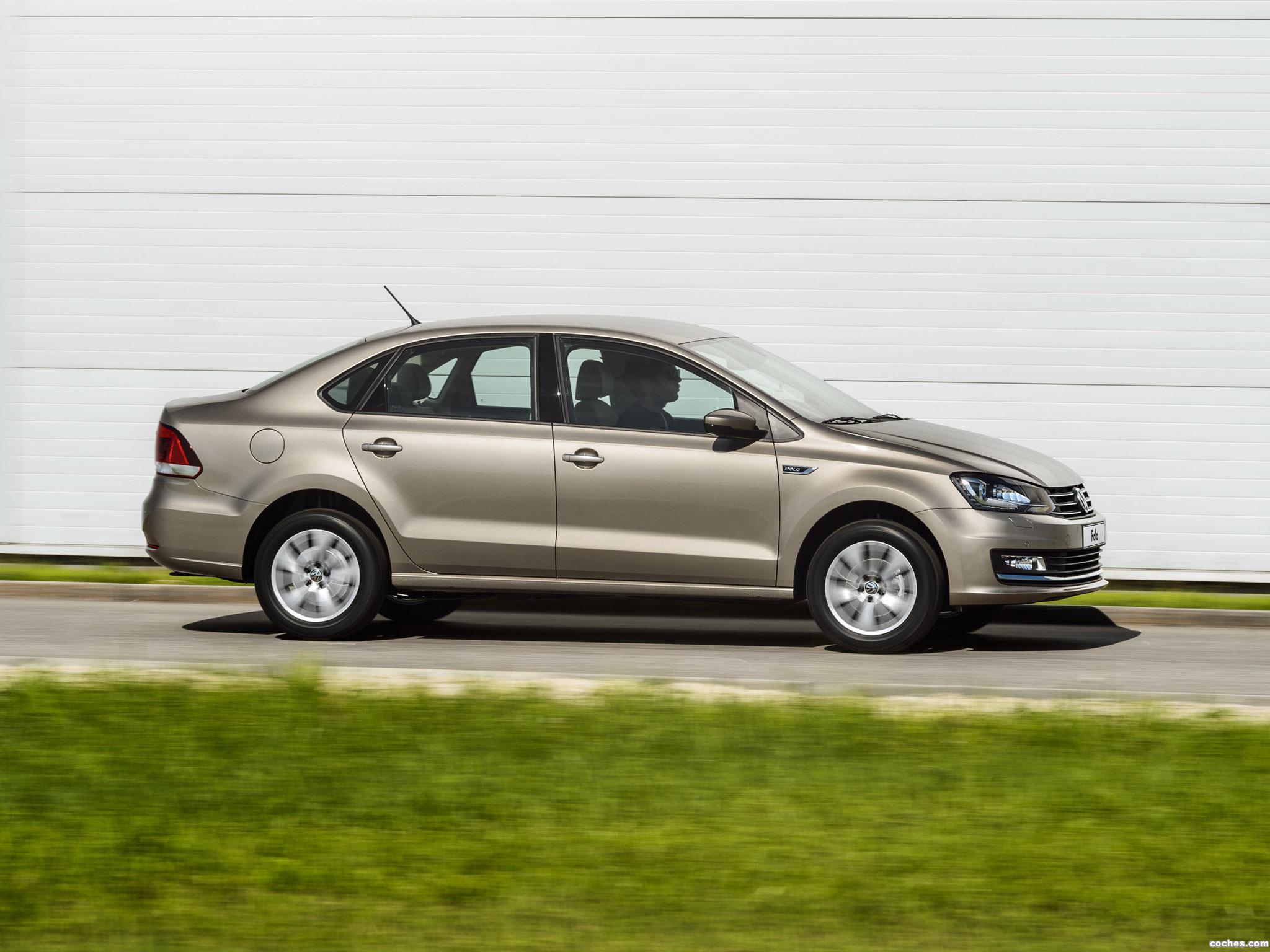 Foto 16 de Volkswagen Polo Sedan 2015