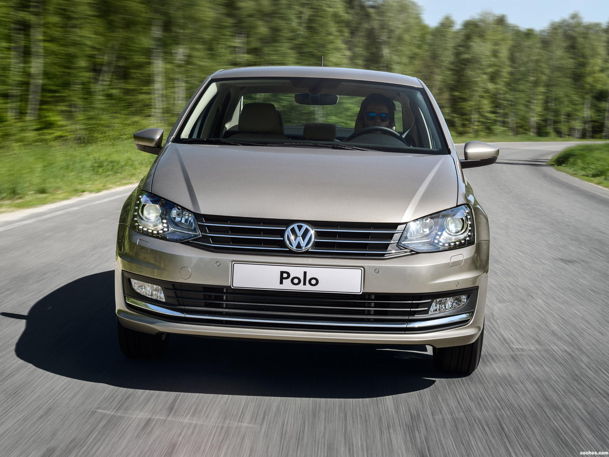 Foto 12 de Volkswagen Polo Sedan 2015