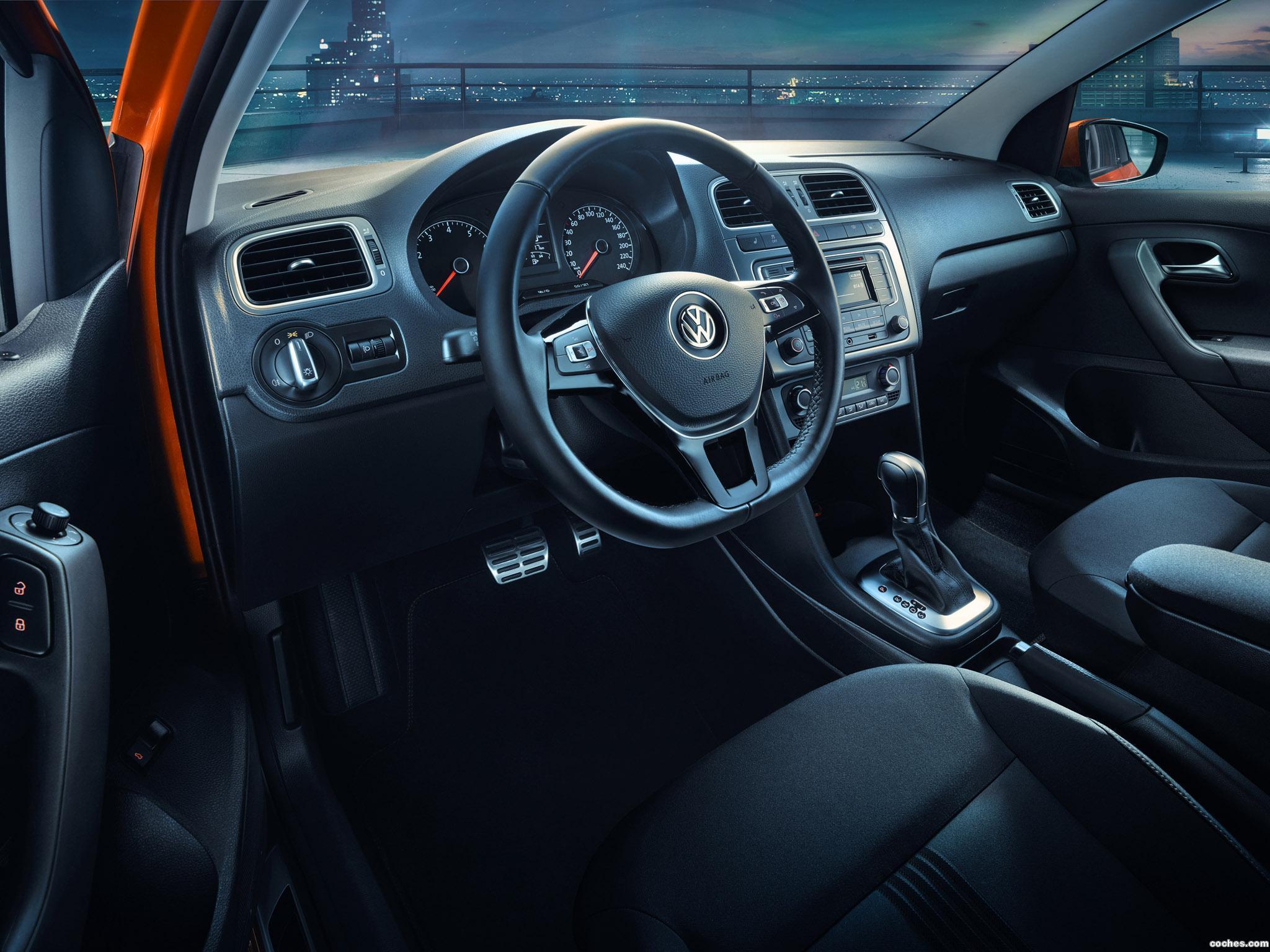 Foto 4 de Volkswagen Polo Sedan Allstar 2016