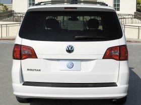 Ver foto 2 de Volkswagen Routan 2008