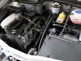 Ver foto 8 de Volkswagen Saveiro Titan IV 2008