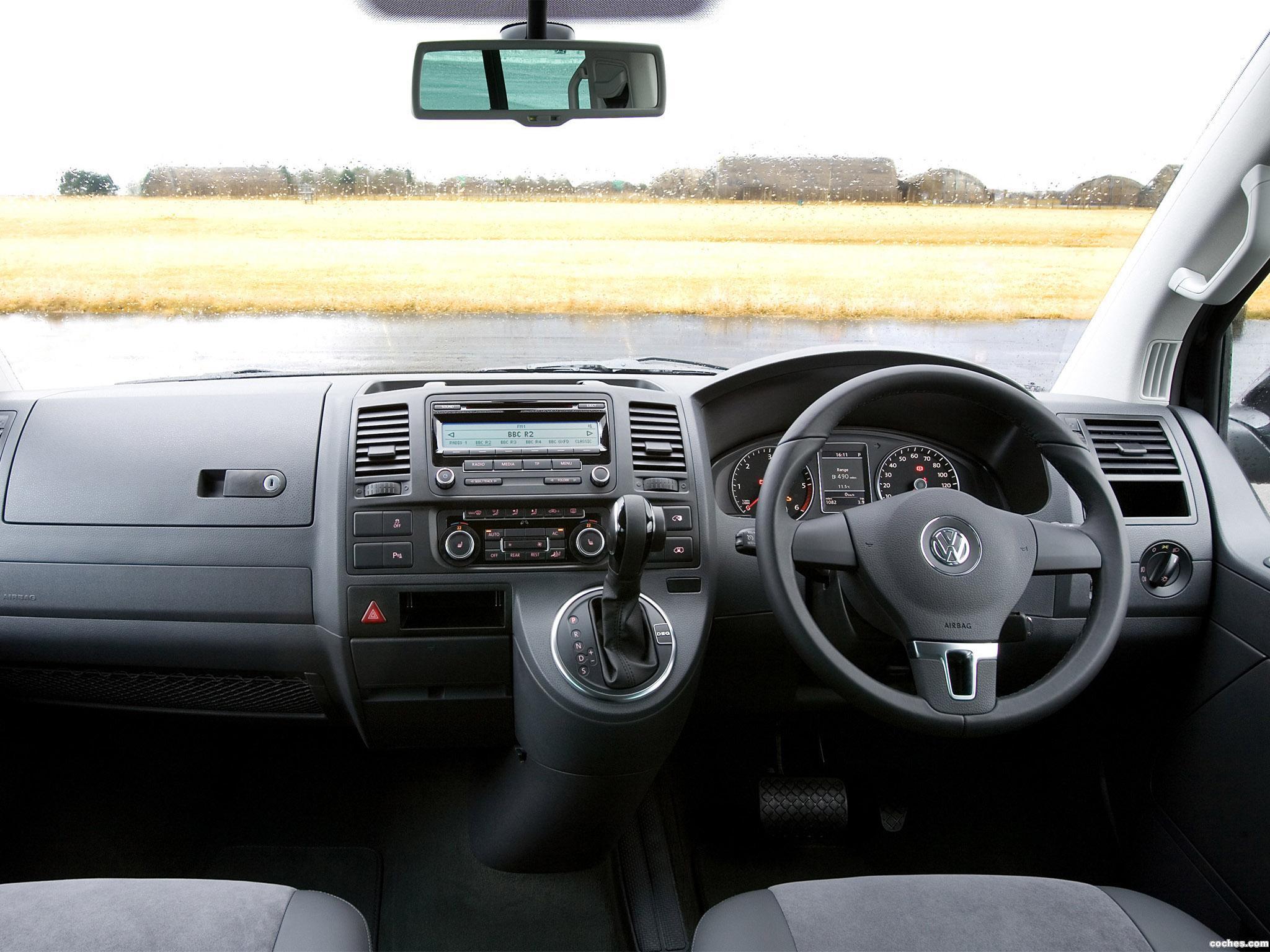 Foto 6 de Volkswagen T5 Caravelle UK 2009